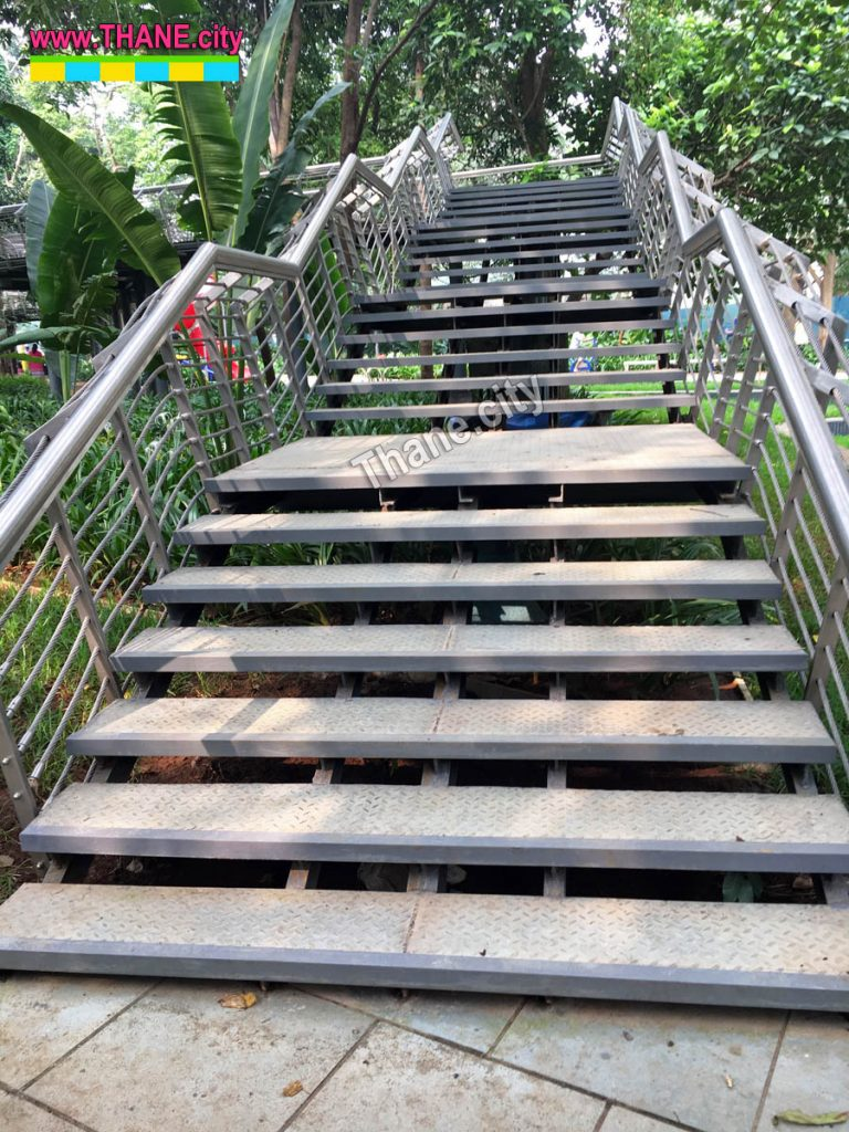 Thane Community Park Sky bridge stairs
